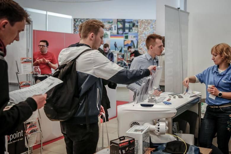 Blisko 200 ofert pracy wakacyjnej za granicą mają do wyboru mieszkańcy Dolnego Śląska.  – To są oferty last minute, bo sezon na pracę wakacyjną trwa