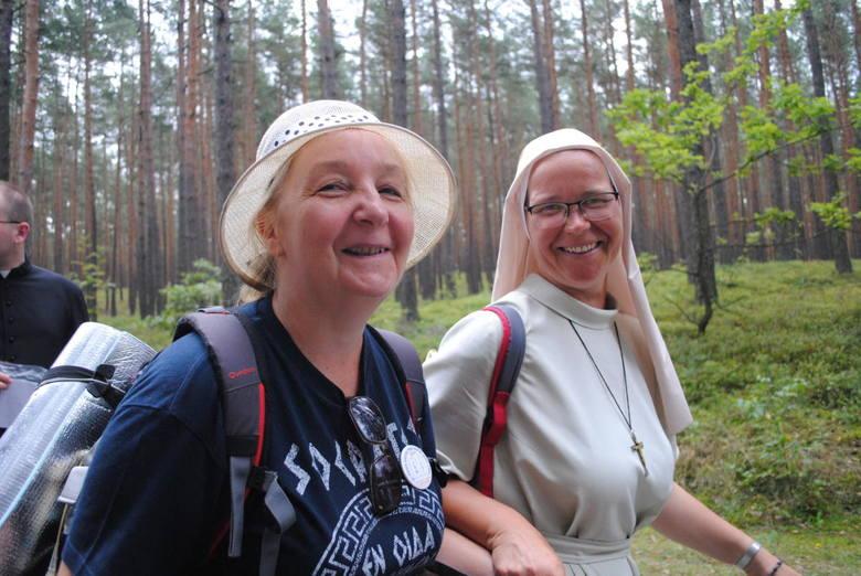 Lubelscy pielgrzymi dziesiąty dzień na pątniczym szlaku. Coraz bliżej do Jasnej Góry (ZDJĘCIA)