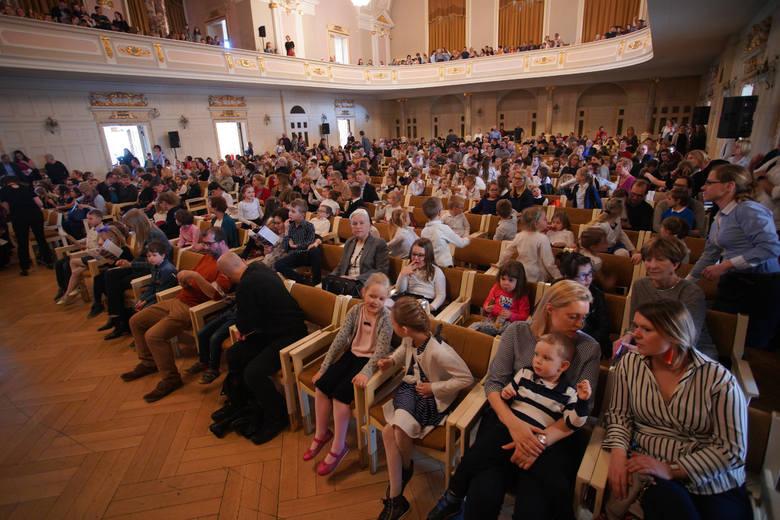 W sobotę w Auli UAM w Poznaniu odbyło się przedstawienie w ramach cyklu Pro Sinfonika, w którym wystąpili uczniowie Szkoły Podstawowej nr 2 im. Henryka