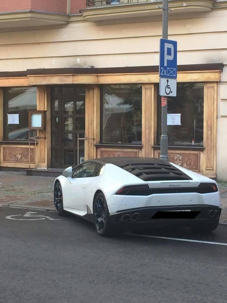 Jak się parkuje w Szczecinie? Gdzie się da! [zdjęcia]