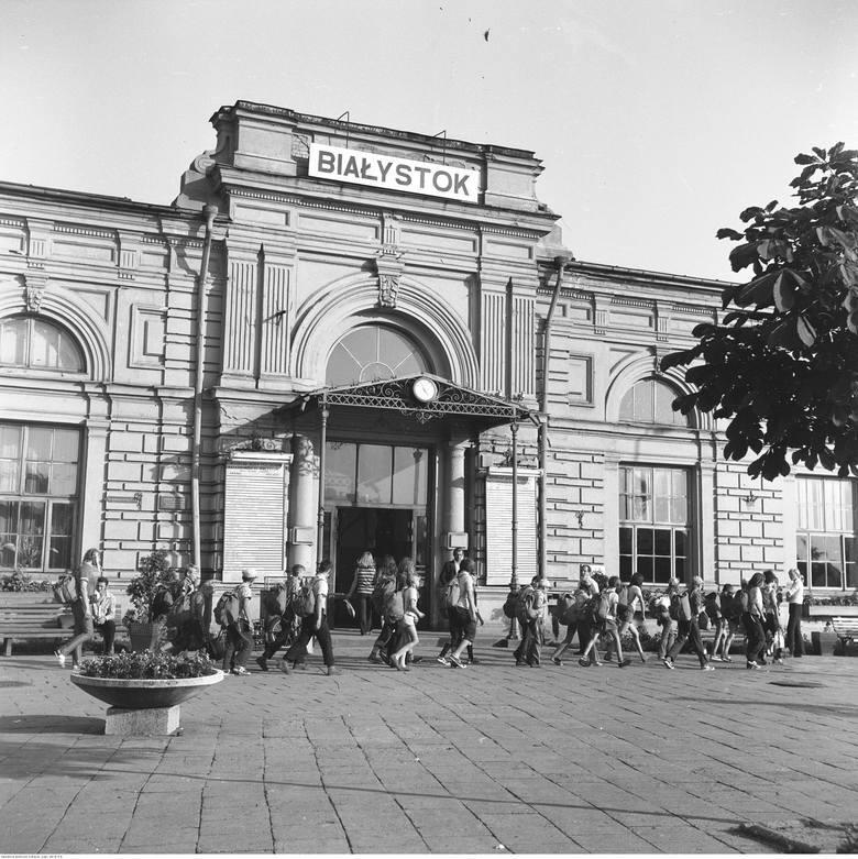 Dworzec PKP pod koniec lat 70-tych