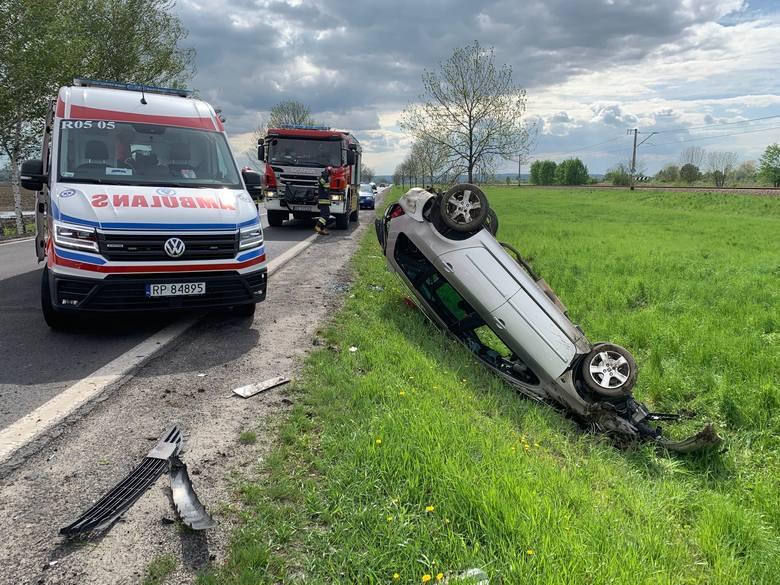 Do zdarzenia doszło we wtorek po godz. 15 na drodze krajowej nr 28 przed przejściem granicznym w Medyce koło Przemyśla. - Kierujący peugeotem, 19-letni