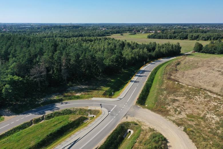 Odcinek autostrady A1, będący obwodnicą Częstochowy, jest wciąż w budowie. Brakuje tu MOP-ów, części jezdni i wiaduktu. Tak A1 na tym odcinku wyglądała
