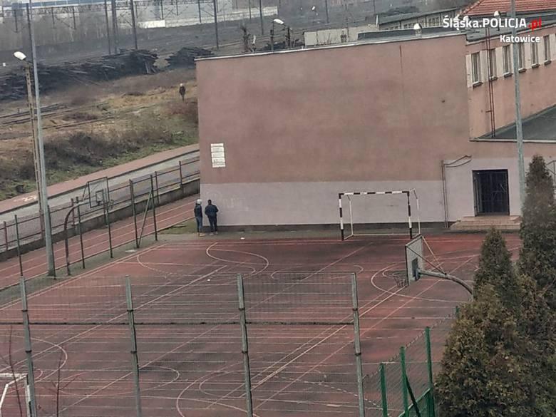 - Policjanci z Wydziału Kryminalnego Komisariatu Policji V w Katowicach wszczęli postępowanie w sprawie uszkodzenia mienia – informuje katowicka policja.