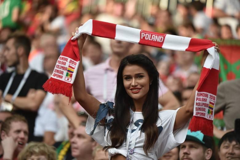 Cieszą się z goli, smucą po porażkach, ale zawsze ozdabiają trybuny stadionów i hal podczas meczów reprezentacji Polski. Czyż polskie kibicki nie są