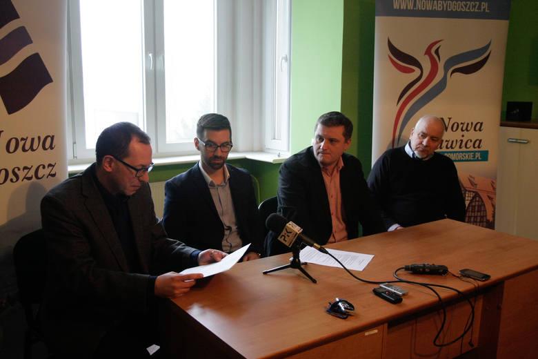 Nowa Bydgoszcz (od lewej Paweł Skutecki, Piotr Najzer, Marcin Sypniewski i Roman Puchowski) złoży projekt uchwały do RM.