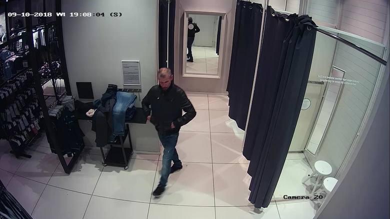 Policjanci z Komisariatu Policji IV w Białymstoku poszukują sprawcy kradzieży, do której doszło 9 października 2018 roku w sklepie z odzieżą w jednej