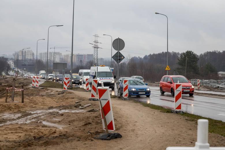 Na skrzyżowaniu al. JPII z NSZ w Białymstoku zmienia się od 18 marca organizacja ruchu