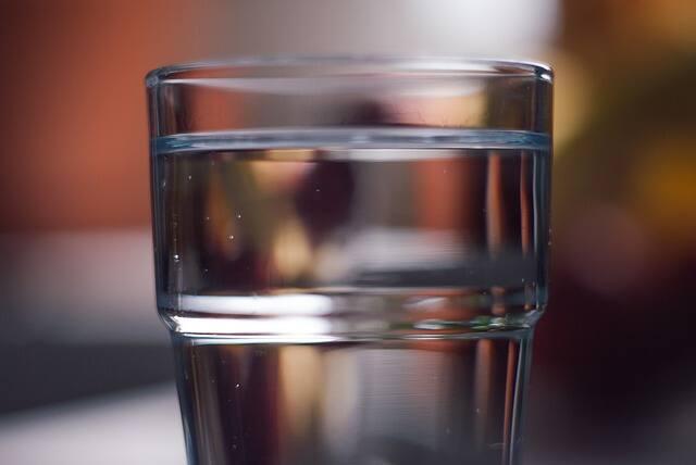 Państwowy Powiatowy Inspektor Sanitarny w Sulęcinie poinformował w piątek (11 czerwca) o tym, że woda z wodociągu publicznego w Sulęcinie nie jest zdatna
