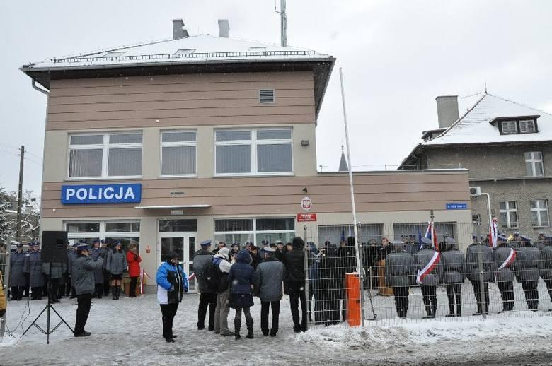 Tak wygląda nowo wybudowany komisariat policji w Dobrodzieniu. Otwarto go 12.12.12 roku o o godzinie 12.