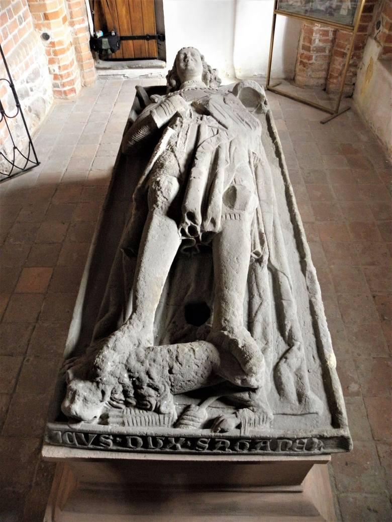 Oto Henryk IV Wierny, książę głogowsko-żagański, który spoczął tutaj w 1342 r. Władca ważny, gdyż jest założycielem żagańskiej linii Piastów.