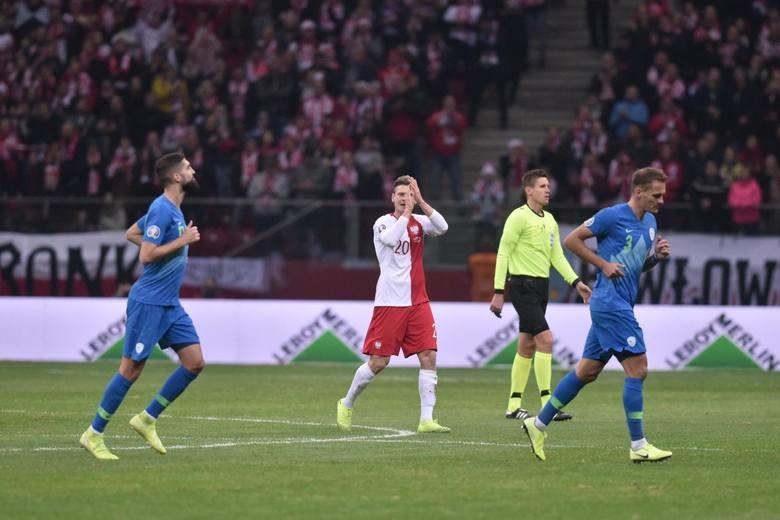 Tuż przed przerwą piłkarze utworzyli szpaler dła Łukasza Piszczka. Prawy obrońca, występem numer 66 w meczu ze Słowenią, oficjalnie pożegnał się z reprezentacją