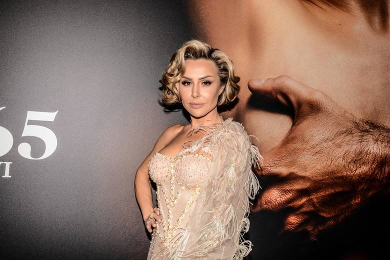 Niczym Lady Gaga. Blanka Lipińska na zdjęciu w niecodziennej stylizacji... Jak Wam się podoba ZDJĘCIA 2.03.2021