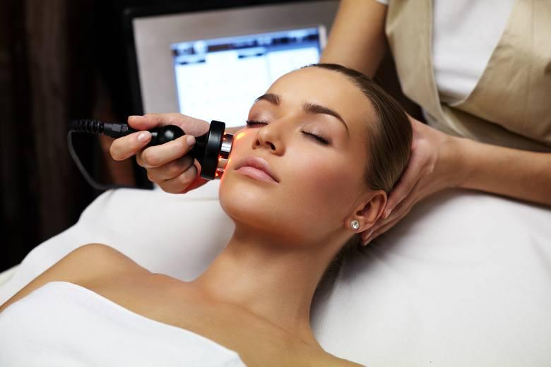 Nowe zabiegi na ciało i twarz – medycyna estetyczna dla naturalnych efektów