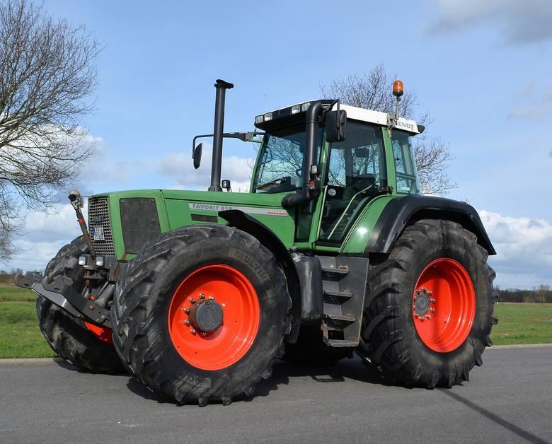 W tym roku od stycznia do września (włącznie) gospodarze zarejestrowali w Polsce 13 311 używanych traktorów. Rok temu w tym samym okresie zarejestrowano
