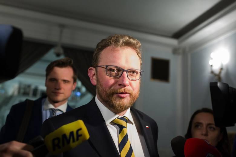 """Lekarze rezydenci zgadzają się na """"pakiet Szumowskiego"""". Jest porozumienie z ministerstwem zdrowia"""