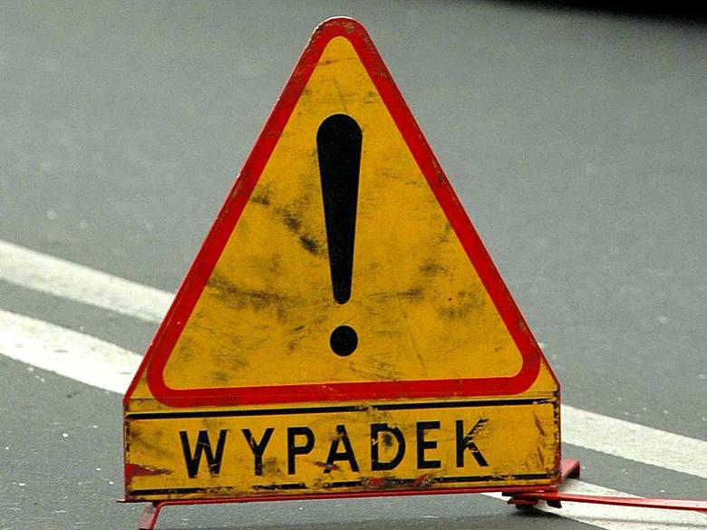 """Wypadek na krajowej """"dziewiątce"""". Droga jest całkowicie zablokowana"""