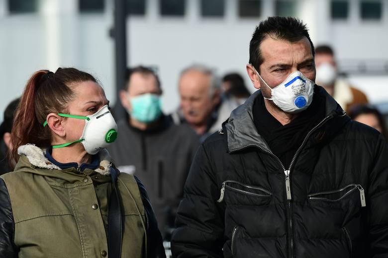 Koronawirus w Europie. Czy Polska jest przygotowana? Kontrole na lotniskach. 500 zł za badanie na koronawirusa. Brak maseczek w aptekach