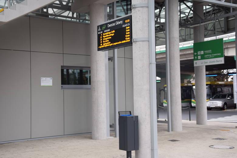 Niemal o każdej porze dnia w zielonogórskim Centrum Przesiadkowym można spotkać wielu pasażerów.