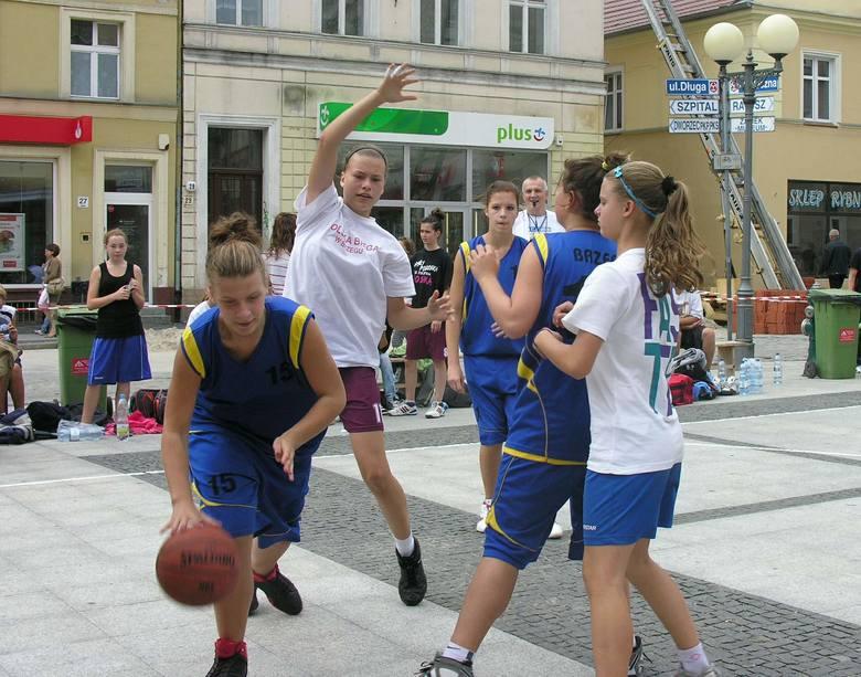 Team Sport Streetball to najstarszy turniej koszykówki ulicznej w województwie opolskim.