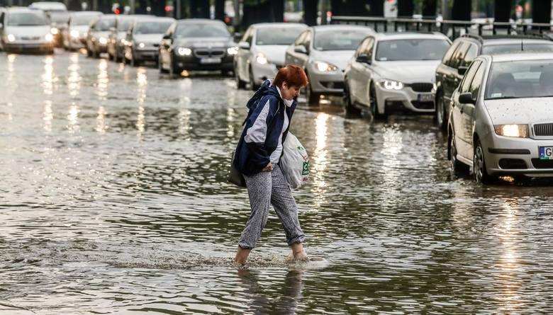 Burza W łodzi 17052018 Może Spaść Tyle Deszczu Co