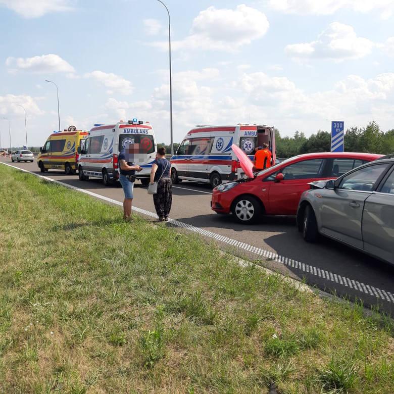 Na autostradzie A4 w Gorliczynie zderzyły się trzy samochody. Utrudnienia