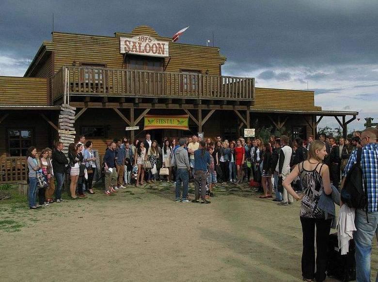 """Miasteczko westernowe """"Silverado City"""" zmieniło się w plan zdjęciowy do filmu """"Discopolo"""""""