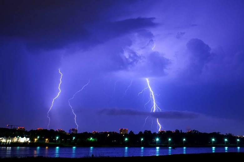 Jak się zachować w czasie burzy? Zobacz zasady bezpieczeństwa