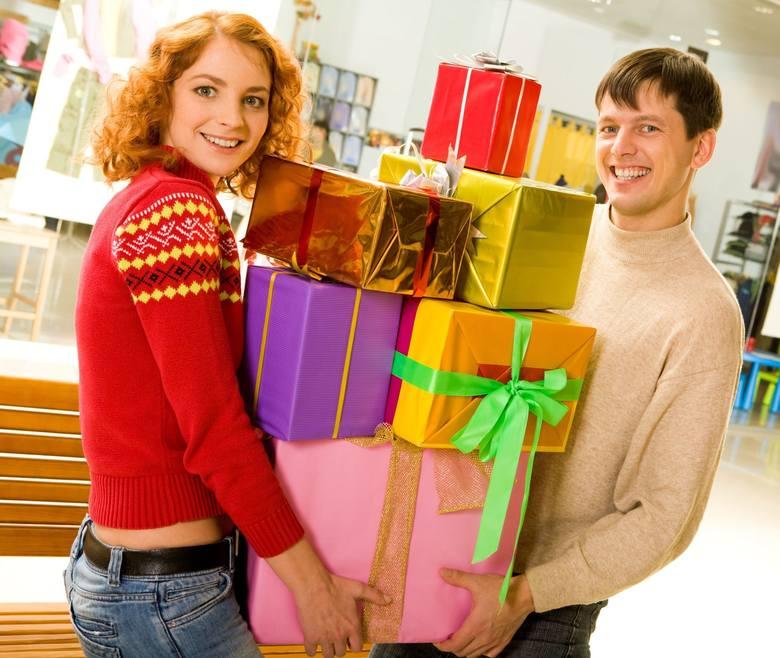 Wydatki świąteczne większość z nas planuje rozsądnie i bez szaleństw, choć ponad 40 proc. deklaruje, że nie będzie ograniczać się do najtańszych produktów