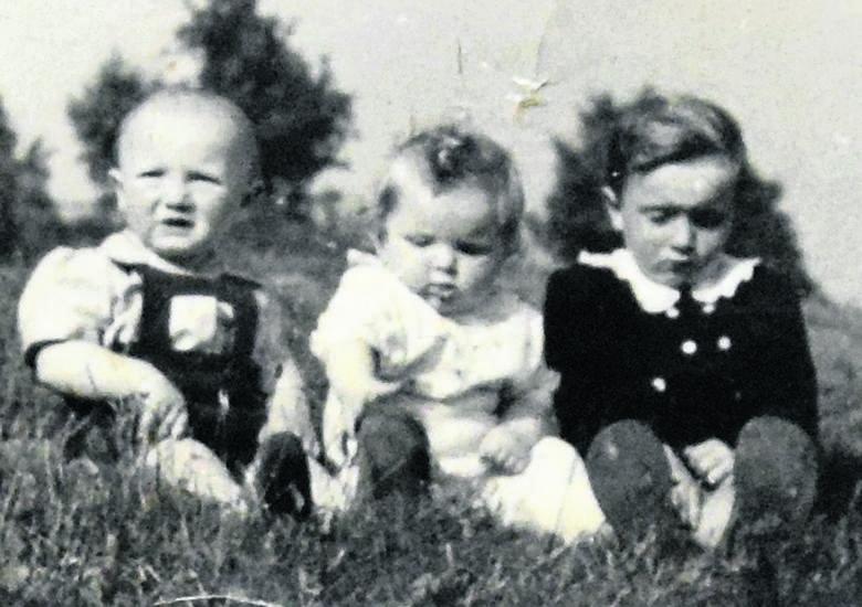 Od lewej Ryszard, Stanisław i Edmund, dzieci pani Romany