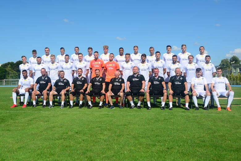 Oto nowa, pełna kadra Radomiaka. Poznaj drużynę Radomiaka, w której pojawiło się kilku nowych piłkarzy i sprawdź, z jakimi numerami na koszulkach będą