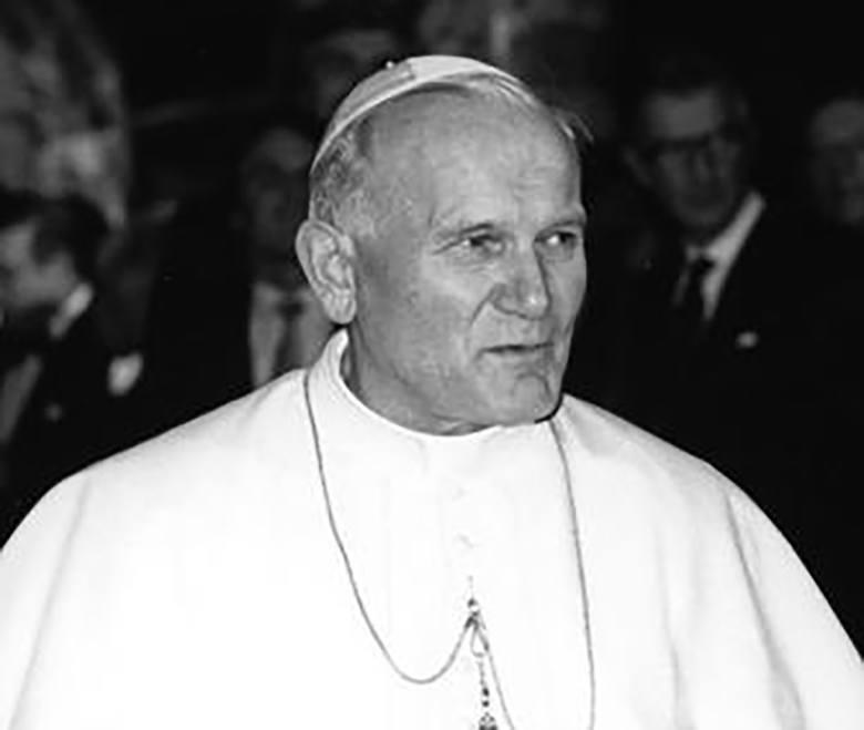 JAN PAWEŁ IIWołam, ja, syn polskiej ziemi, a zarazem ja, Jan Paweł II, papież. Wołam z całej głębi tego Tysiąclecia, wołam w przeddzień Święta Zesłania,
