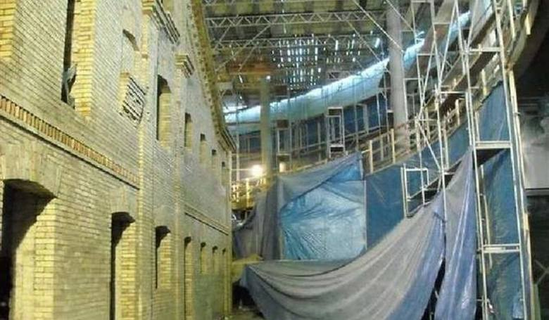 Wypadek w suwalskiej galerii handlowej miał miejsce w lutym 2010 roku. Czterech robotników spadło wówczas z rusztowania, z wysokości 14 metrów. Trzej