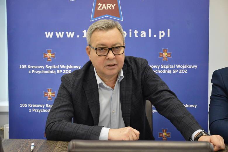 Czy mi przykro? Może tylko z powodu tego,że z wieloma ludźmi bardzo się zżyłem. Nie powiem,że o tym nie myślę – podkreślał na konferencji dyrektor Sławomir Gaik.