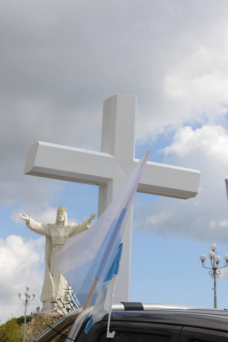 Krzyż na 100-lecie niepodległości powstanie w gminie Błaszki w województwie łódzkim.
