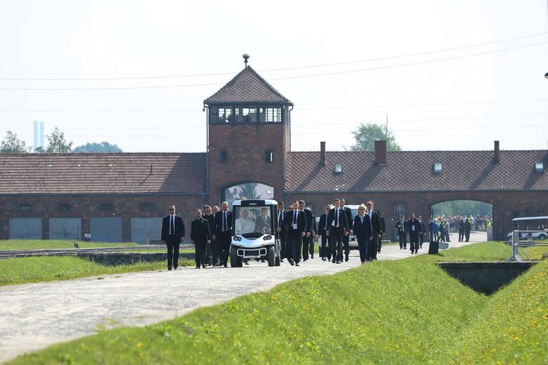 Papież Franciszek w Auschwitz: Panie, przebacz tyle okrucieństwa [ZDJĘCIA, WIDEO]