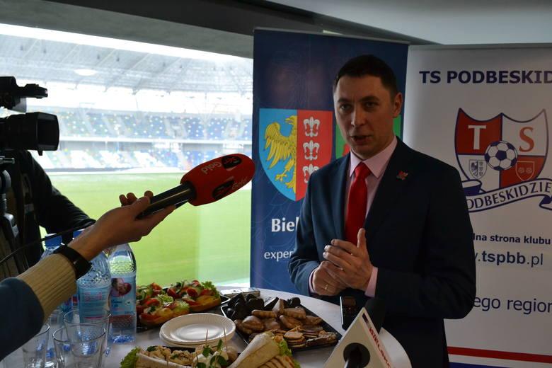 Tomasz Mikołajko spotkał się z mediami w loży VIP stadionu
