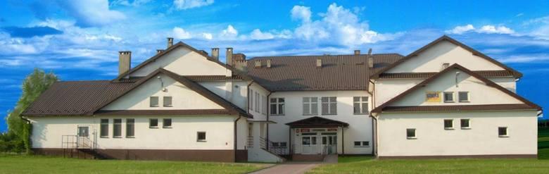 Kategoria: SZKOŁA ROKU 2018 Szkoła Podstawowa im. Henryka Sienkiewicza w Brodłach (KNS.54)Obchodzone tu są uroczyście święta państwowe, ale także lokalne