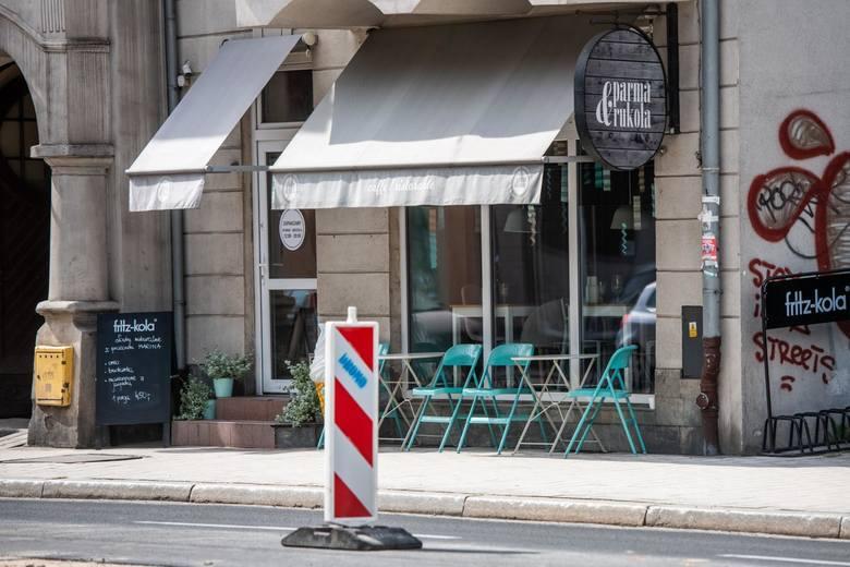 Poznańska restauracja wprowadziła zakaz wstępu dla dzieci. Internauci przyklaskują pomysłowi i hejtują rodziny z maluchami.
