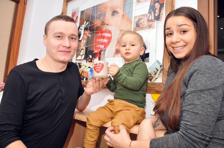 Jagoda Szpojnarowicz-Pyda dorastała razem z Orkiestrą, a dziś sama jest żoną i mamą dwuletniego synka.