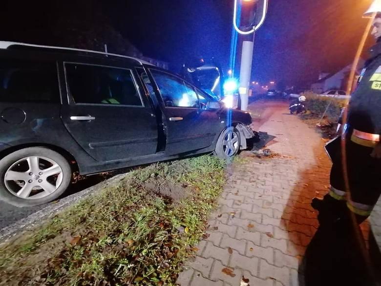 Do zdarzenia doszło w minionej nocy w Bogdańcu (powiat gorzowski). Strażacy z OSP Bogdaniec zgłoszenie o zdarzeniu otrzymali przed godz. 2.00.Jak poinformowali