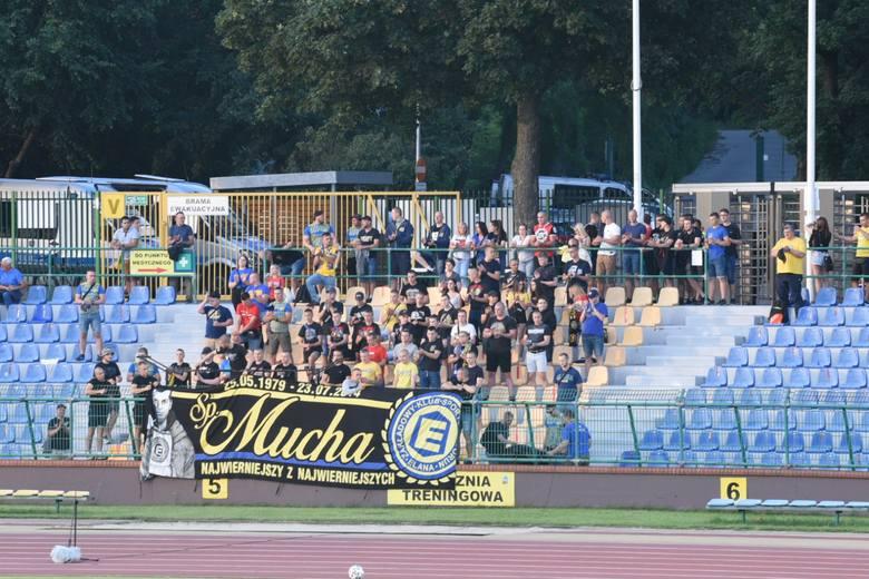 W meczu 32. kolejki II ligi Elana Toruń zremisowała z Resovią 2:2. Bramki dla żółto-niebieskich strzelili Filip Kozłowski (31) i Mariusz Kryszak (37