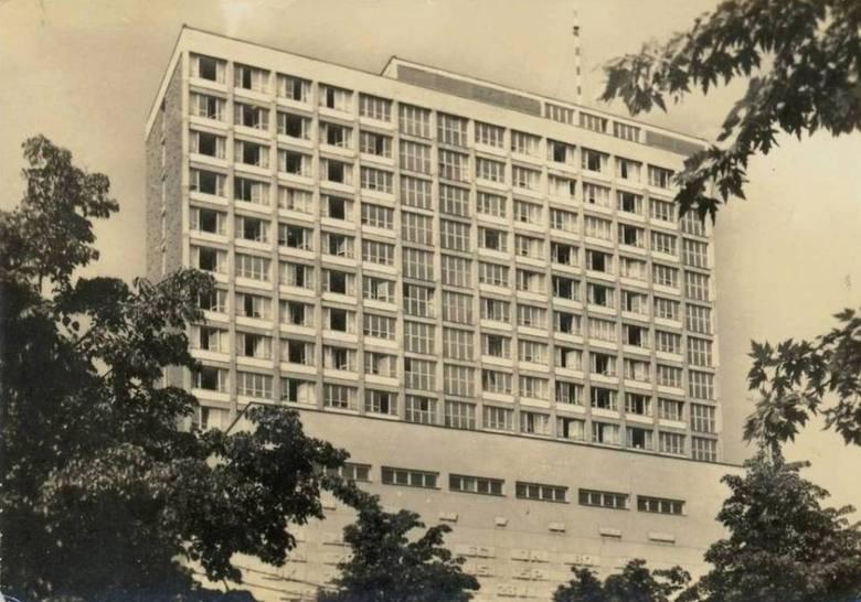 Dom Studencki Riviera w Warszawie. Zdjęcie pochodzi z 1974 roku<br />