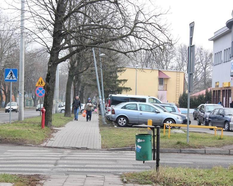Kłopotliwe latarnie w pobliżu ul. Lubelskiej w Chełmie
