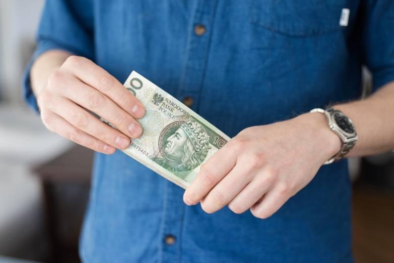 Czy dotychczasowe świadczenia socjalne zastąpi Bezwarunkowy Dochód Podstawowy? Zakładałby on przyznanie osobie dorosłej miesięcznie 1200 zł. Pewną kwotę