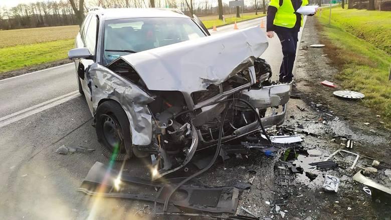 Trzy ofiary śmiertelne i kilkanaście osób rannych, w tym wiele ciężko - to tragiczny bilans weekendu na dolnośląskich drogach. Zobaczcie co się działo