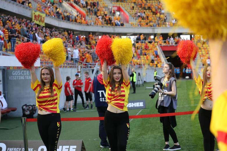 Zapraszamy do naszej galerii zdjęć najpiękniejszych cheerleaderek w Polsce. Wśród nich znalazły się również dziewczyny dopingujące Jagiellonię Białystok.