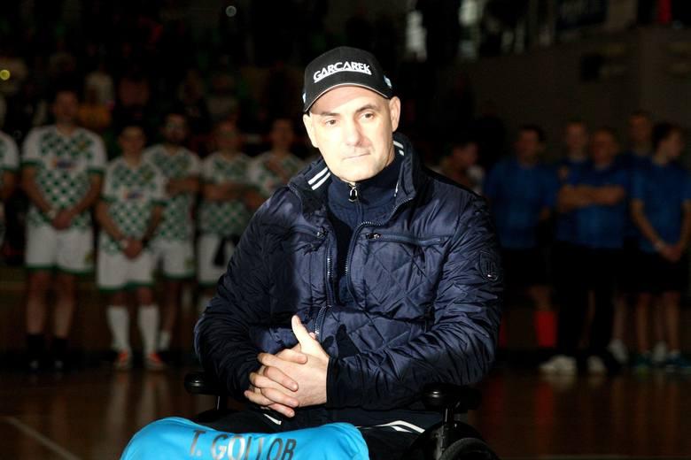 """Tomasza Golloba być może czeka wyjazd do kliniki w Lozannie, gdzie miałby się poddać """"nowej metodzie bodźcowania nóg"""". Poinformował"""