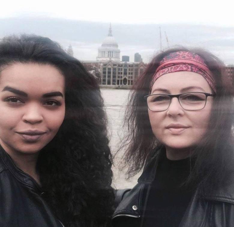 Sara Alexandre nie chce, by jej młodszy brat doświadczał tego samego, z czym walczył ich ojciec ponad 20 lat temu w Polsce. Współtworzy z przyjaciółkami kampanię #Don'tCallMeMurzyn