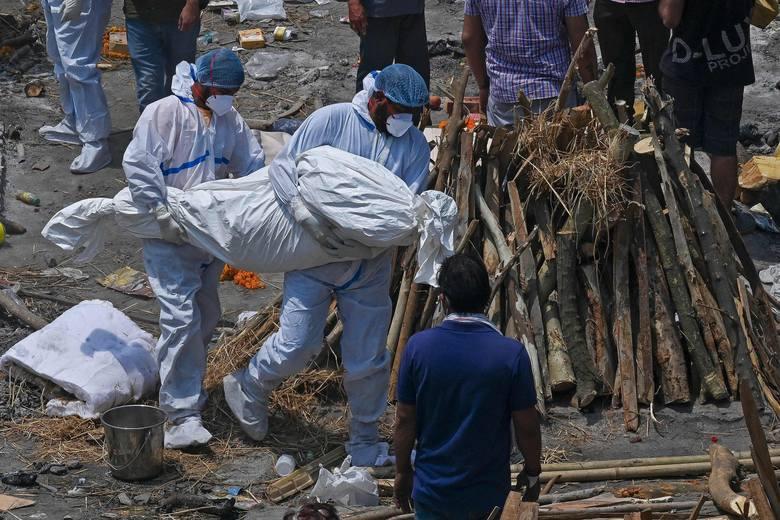 Dramat Indii: zakażeni koronawirusem coraz częściej szukają pomocy u szamanów, co oznacza dla nich wyrok śmierci (VIDEO)